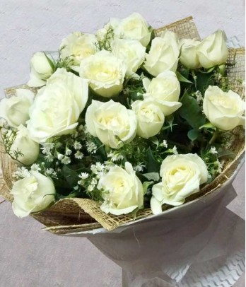 2 Dozen of White Roses
