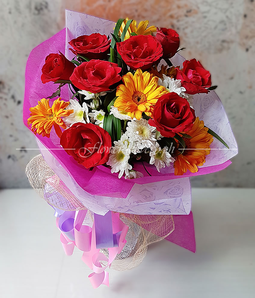 8 Pieces Of Red Roses With Gerberas Round Bouquet
