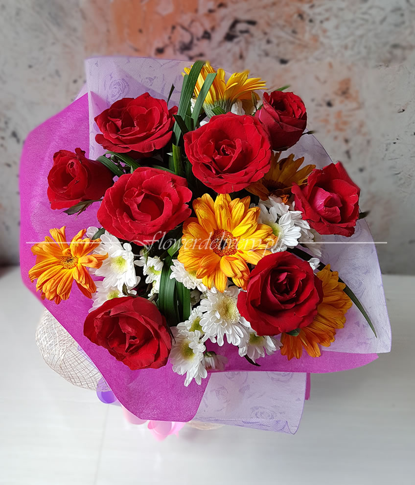 8 pieces of red roses with gerberas round bouquet izmirmasajfo