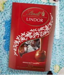 Lindor Milk Truffles 200 grams