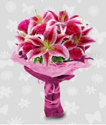 6 pcs. of pink liliies